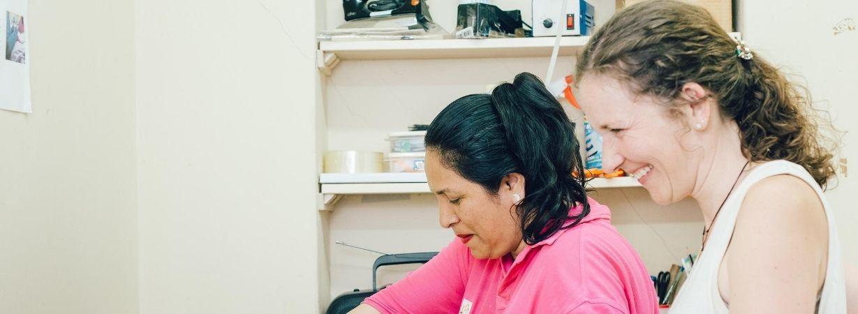 Socialpreneur Martina von Chill n Feel in peruanischer Schneiderei