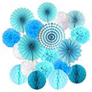 Babyshower_In 6 Schritten zur perfekten Babyparty_Wabenbälle Blau Pompoms (2)