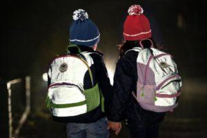 TwinkleKid vollflächig reflektierende Rucksäcke_Wie schütze ich mein Kind im Straßenverkehr s (3)