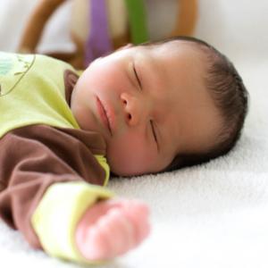 Was ziehe ich meinem Baby zum schlafen an_nichtnurmama.de